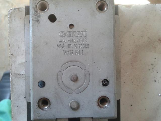 Вскрытие сейфового замка, ремонт, перекодировка под другой ключ