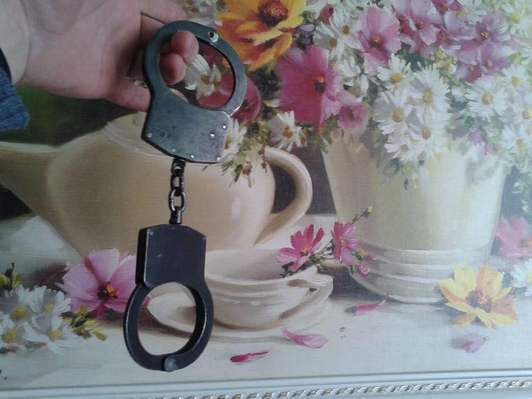 Вскрытие наручников